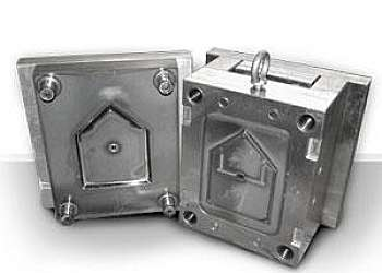 Fabricação de peças termoplásticas